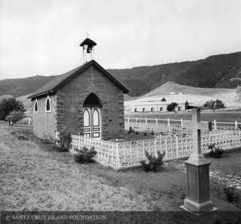 chapel of the holy cross santa cruz island wikiname