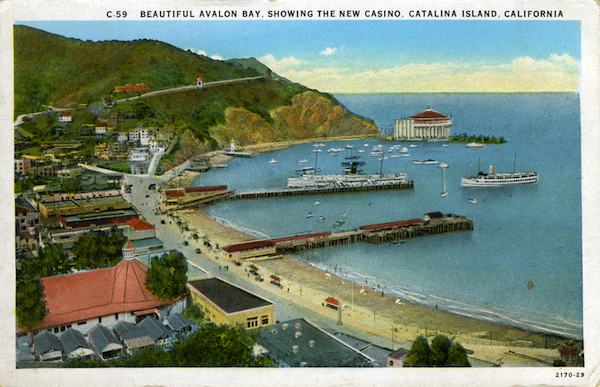File:C.59 Beaytiful Avalon Bay, Showing the new Casino, Cat Is. - white boarders.jpg