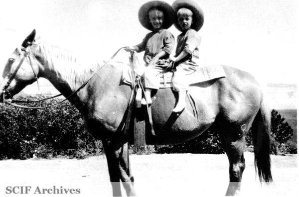 File:SRI Russ & Al Vail c. 1920s.jpg