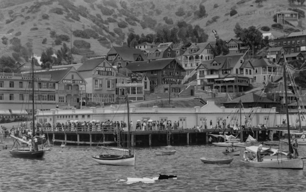 File:Avalon Shore early 1900.png