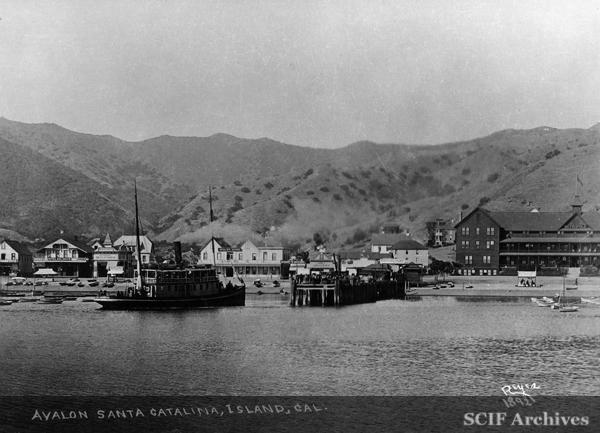 File:Catalina Hotel Boom.jpg