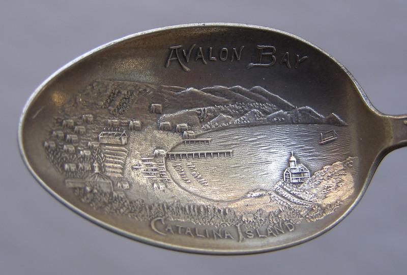 File:J. Mayer & Bros Tyoe 2 embossed bowl.jpg