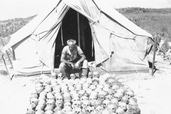 File:CIM-Ralph Glidden-camp at Little Harbor.jpg