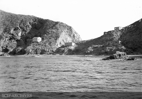 File:Frenchy's Cove Anacapa Island©.jpg