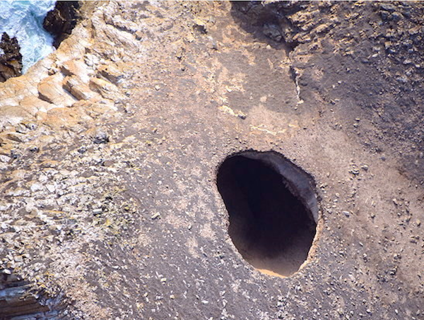 File:Castle Rock blowhole SMI.png