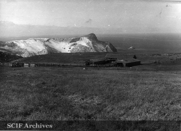 File:26 B. Hughey 9-1950 Cruise - deserted sheep barn -n SRI in the background 2.jpg