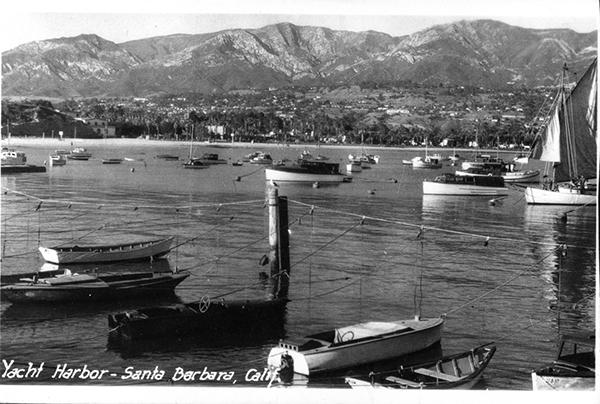 File:B&W Yacht Harbor SB.jpg