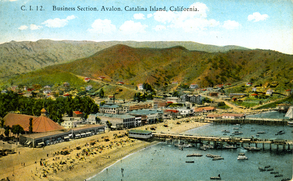 File:C.I.12. Business section, Avalon, Cat Island.jpg