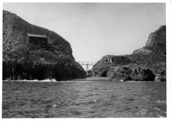 File:Ben hughey - Anacapa Island.jpg