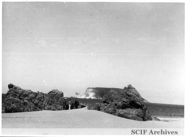File:20 B. Hughey 9-1950 Cruise - on the beach SMI 1.jpg