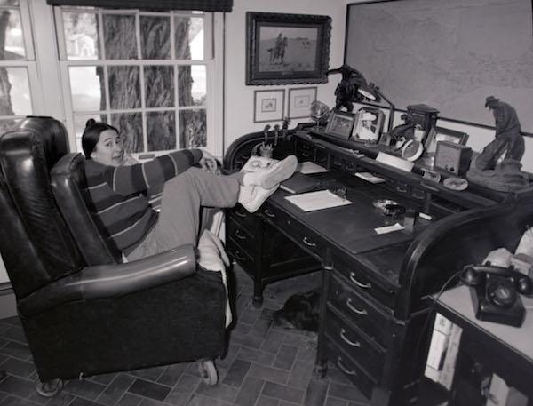 File:Marla in careys office.jpg