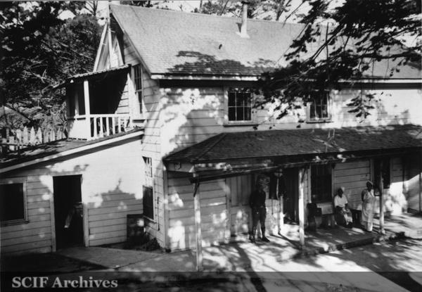 File:SRI Old Bunk House 1930s.jpg