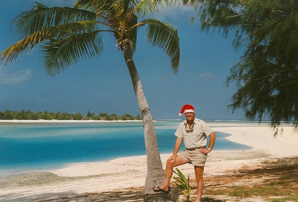 File:Wake Atoll Christmas 2003.jpg