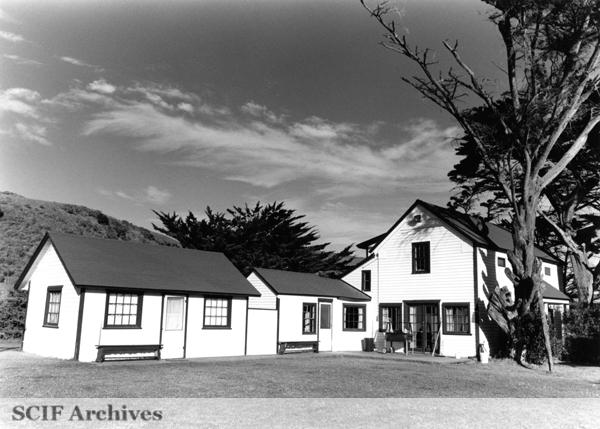 File:SRI Main Ranch.jpg