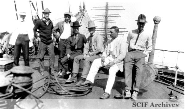 File:SRI SRI Crew on way to Cabo San Lucas 1915.jpg