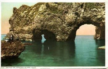 9118 Arches on Anacapa Island - detroit pub - divided back.jpg